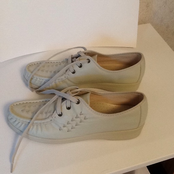 7d0b7d28f433c Soft Spots Bonnie Lite Oxfords